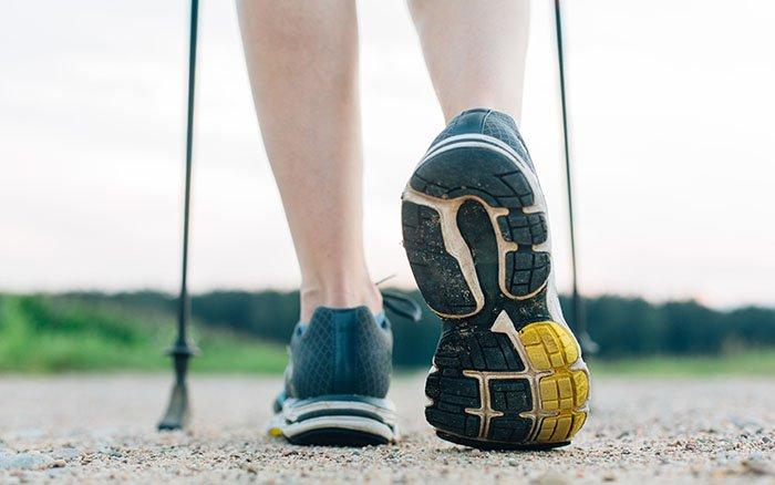 Nordic Walking Schuhe: Auf welche Eigenschaften sollte man achten?