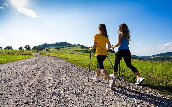 Nordic Walking - Der naturnahe Ausdauersport mit zwei Stöcken