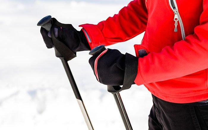 Nordic Walking im Winter: So trotzt Du der eisigen Kälte