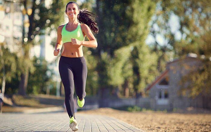 Nordic Walking vs. Joggen: Was sind die wichtigsten Unterschiede?