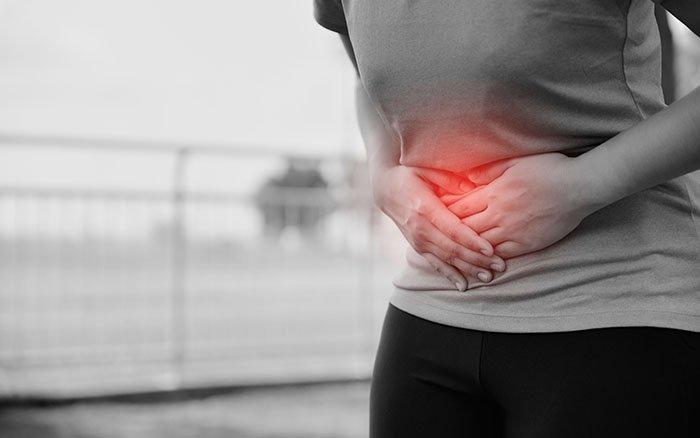 Bauchschmerzen beim Nordic Walking: Alles, was Du darüber wissen solltest