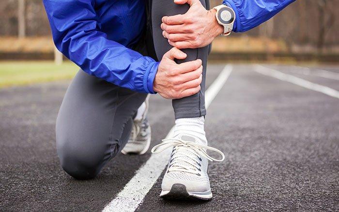 Schmerzen im Schienbein beim Nordic Walking: Woher kommen sie? Was kannst Du dagegen tun?